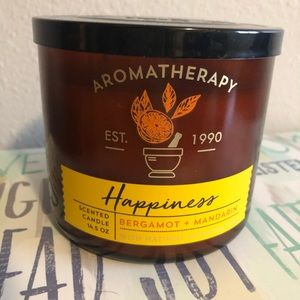 Bath and body works aromatherapy happiness candle